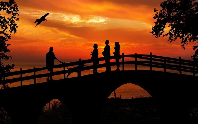 Konflikt: budowanie mostu, nie muru
